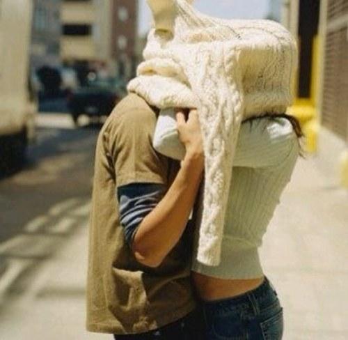 Любовь действительно слепа