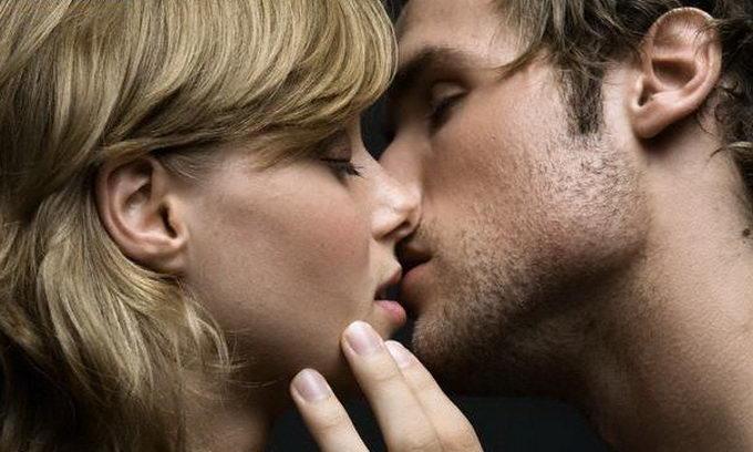 """Как """"работает"""" поцелуй"""