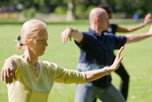 Йога для людей старшего возраста