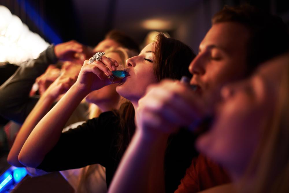 Голубоглазые более стойкие выпивохи, чем кареглазые