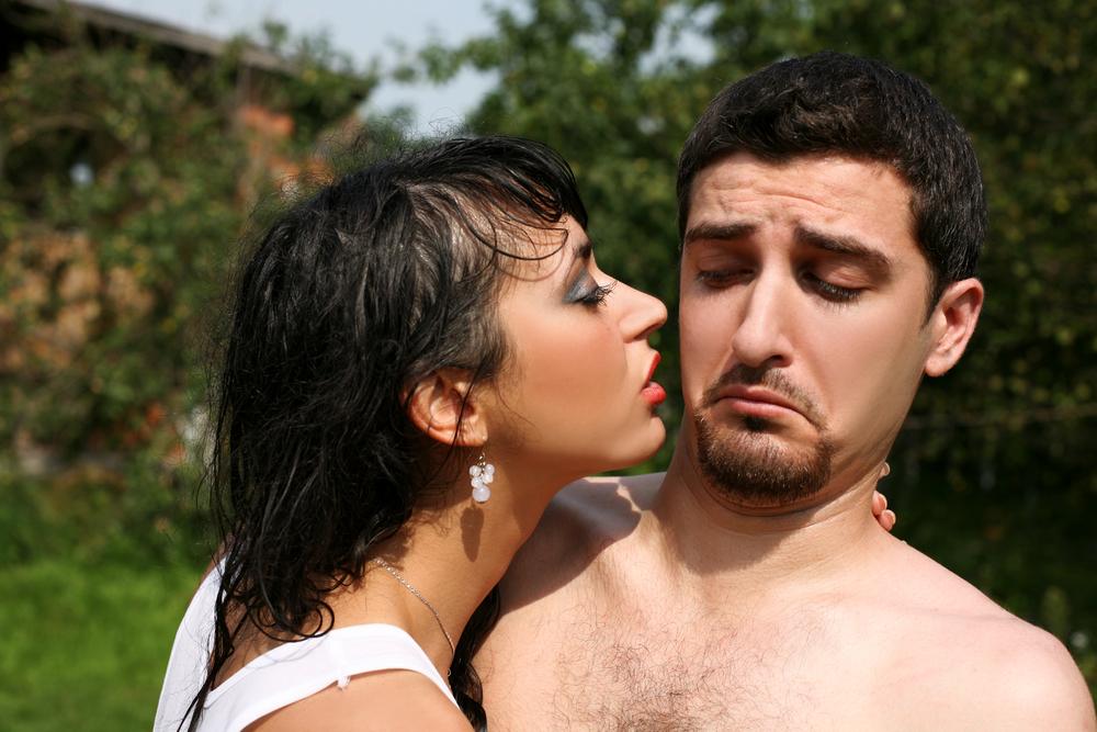 """Женщины в стадии фертильности, легко определяют по запаху """"горячего"""" мужчину"""