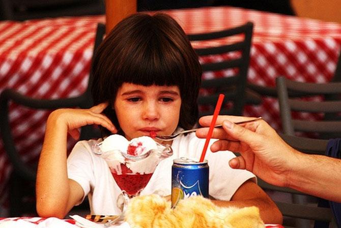Явные признаки того, что родители балуют ребёнка