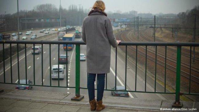 Суицид: 11 поведенческих сигналов, которые должны насторожить