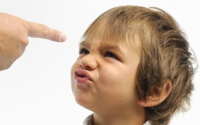Ошибки родителей, которые программируют детей на неуверенность в себе