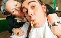 """Как из сына сделать """"тряпку"""": вредные советы мамам"""