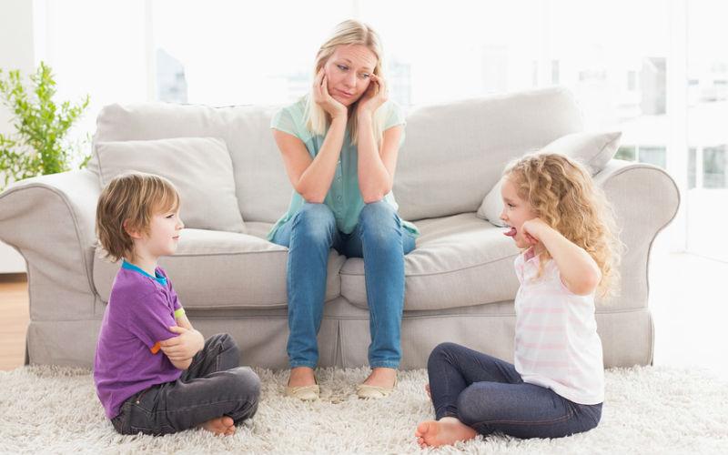 """""""Хочу побыть одна"""": 10 советов маме-интроверту"""